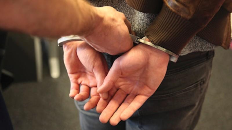 Drie personen in #Leek aangehouden na mishandeling in Kornhorn.