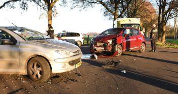Auto's botsen na voorrangsfout op kruising Veldstreek Zevenhuizen