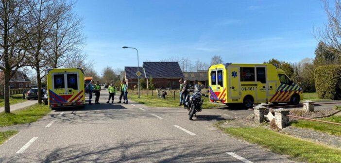Fietser gewond na botsing met motorrijder op Nieuweweg in Nuis